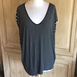 Avenue Black & White Striped Shirt Sz 18/20